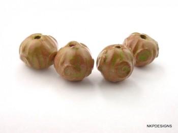 Pumpkin Sprig Charteuse Stoneware Bead